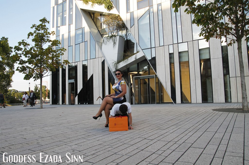 shopping Goddess Ezada Sinn shoes fashion