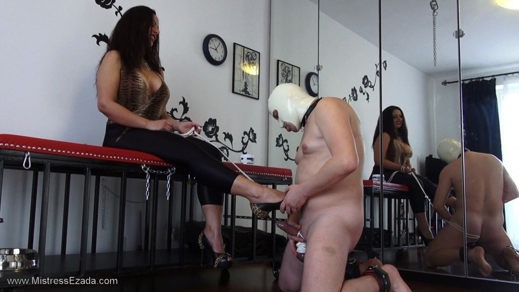 Mistress Ezada Sinn - Stiletto sounding