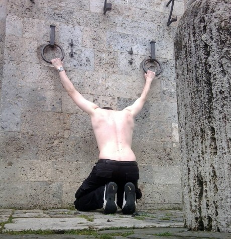 Whipping position in Il Campo piazza – Sienna –Italy