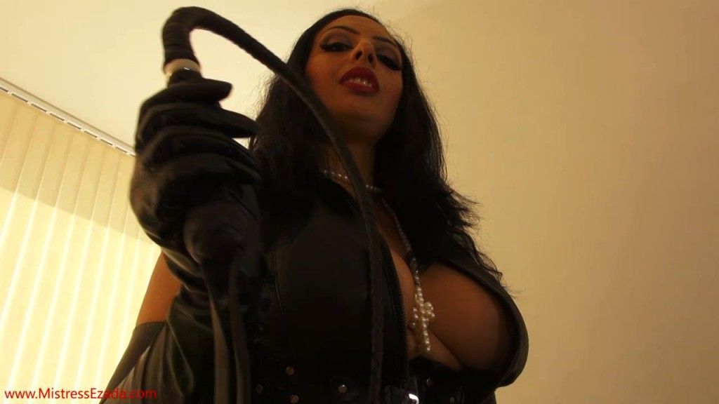 Mistress Ezada having a guy over.mp4_snapshot_09.33_[2013.06.03_23.17.28]