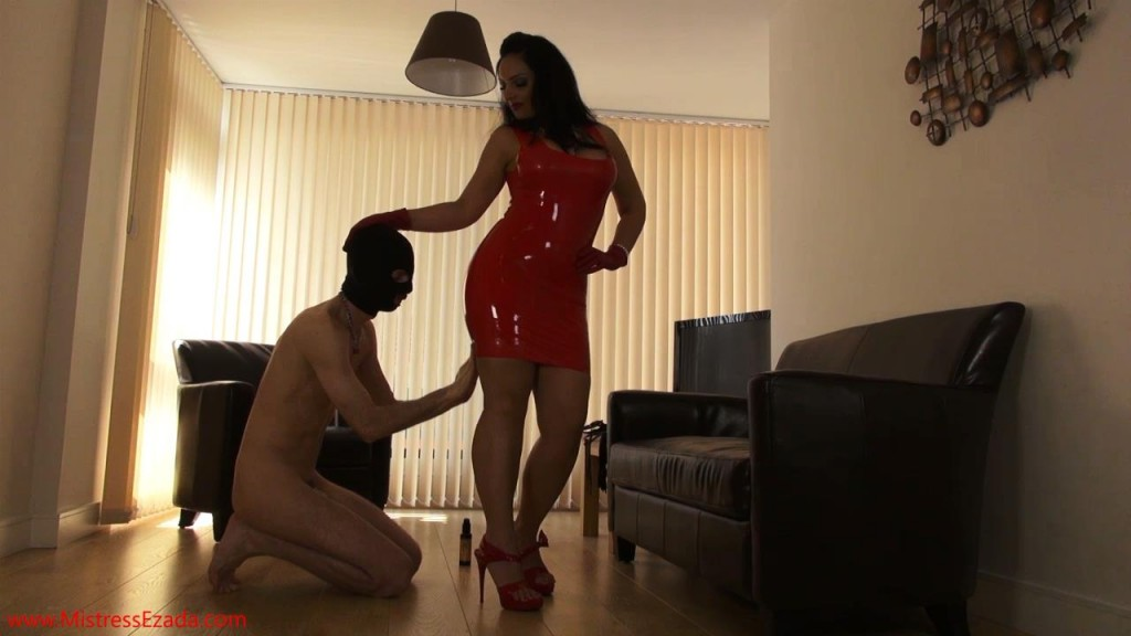 Mistress Ezada red latex dress shining.mp4_snapshot_02.22_[2013.06.14_00.29.39]