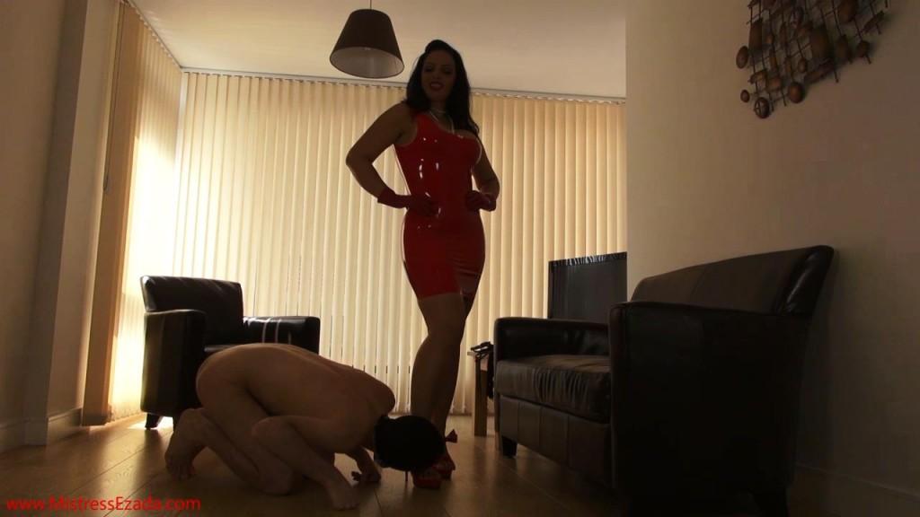 Mistress Ezada red latex dress shining.mp4_snapshot_05.53_[2013.06.14_00.29.50]