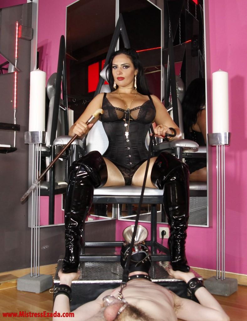 Mistress Ezada rules female supremacy