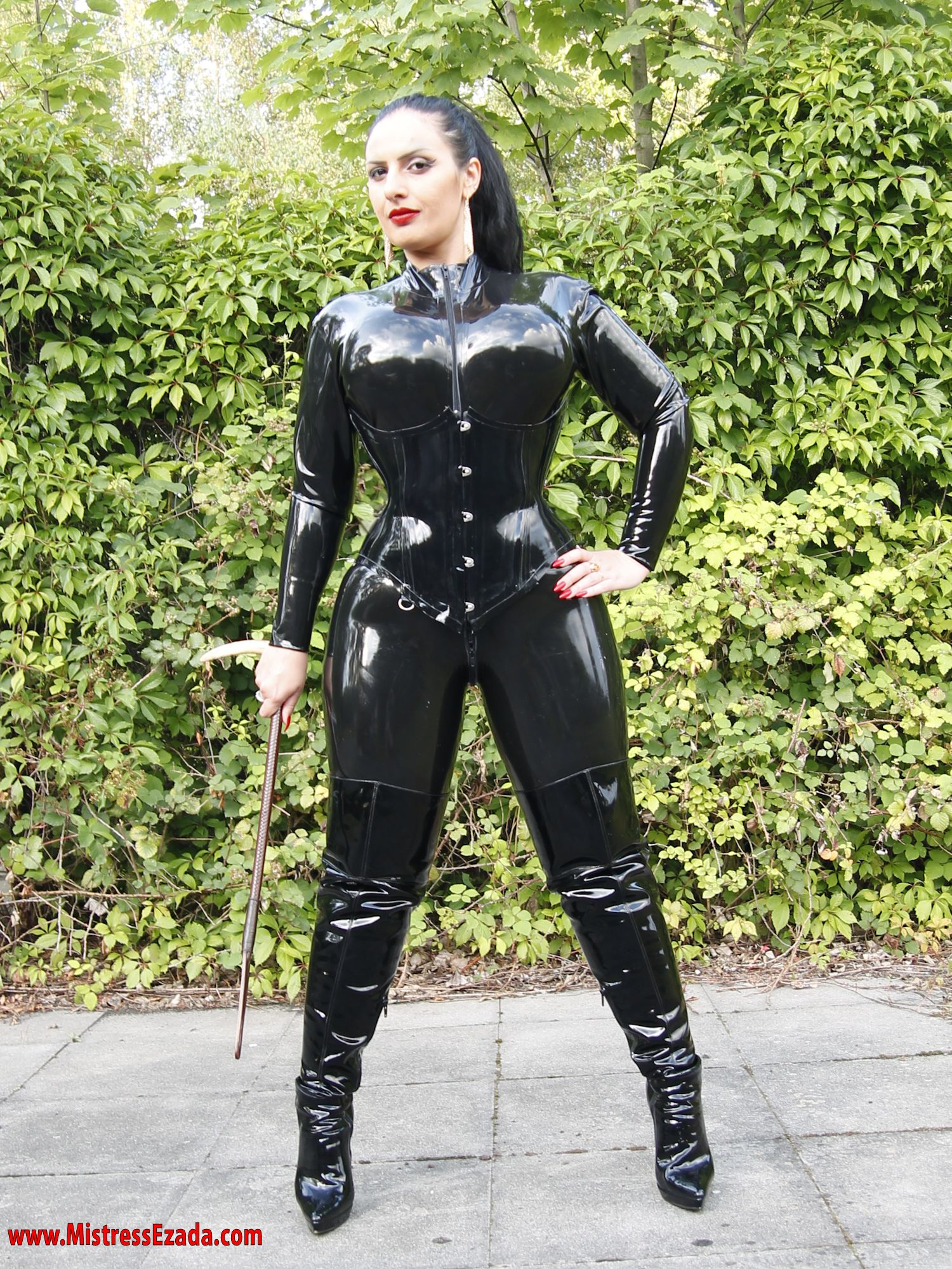 Latex Catsuit Mistress Ezada Sinn