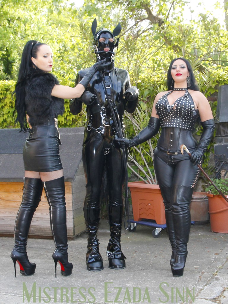 Fetish Liza, Mistress Ezada Sinn leather