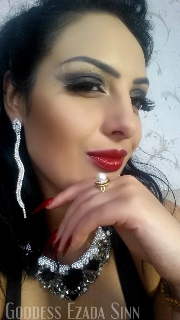 Goddess Ezada Sinn femdom