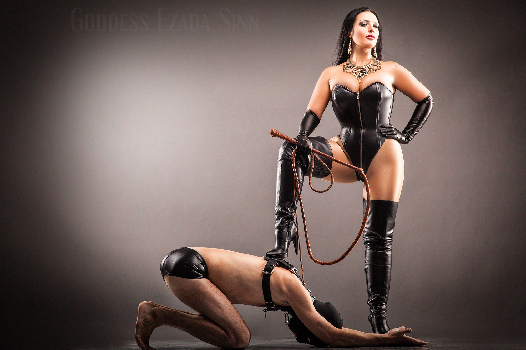 Dominatrix stockade bondage video