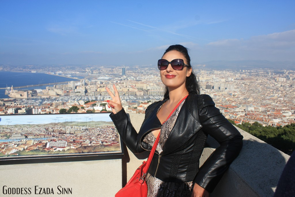 Marseilles Ezada Sinn Mistress visits female supremacy