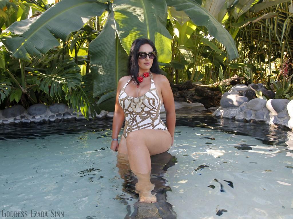 Goddess Ezada Sinn Costa Rica izvoare termale