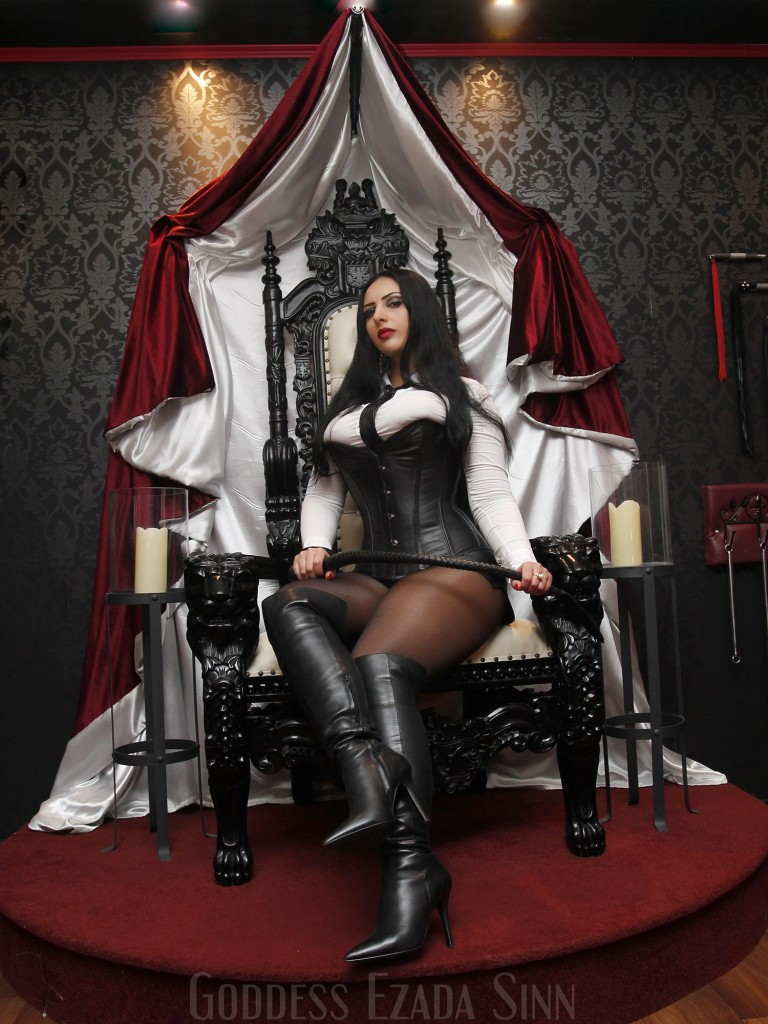 Goddess Ezada Sinn throne female supreamacy