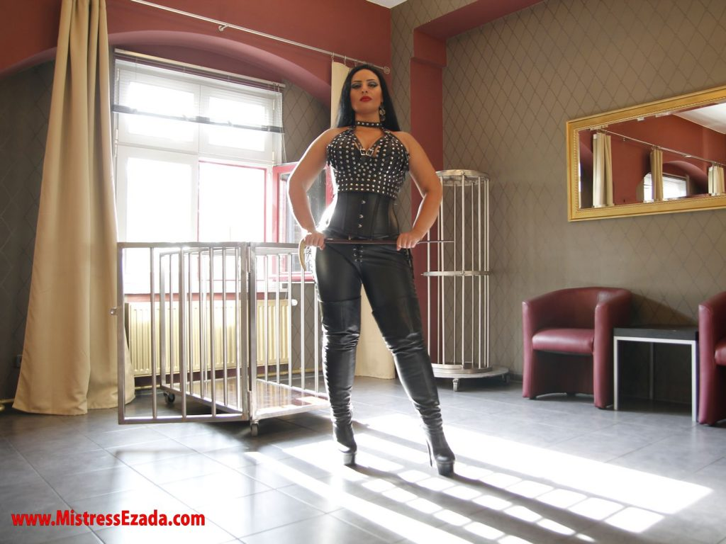 Domina Ezada Sinn behind the light