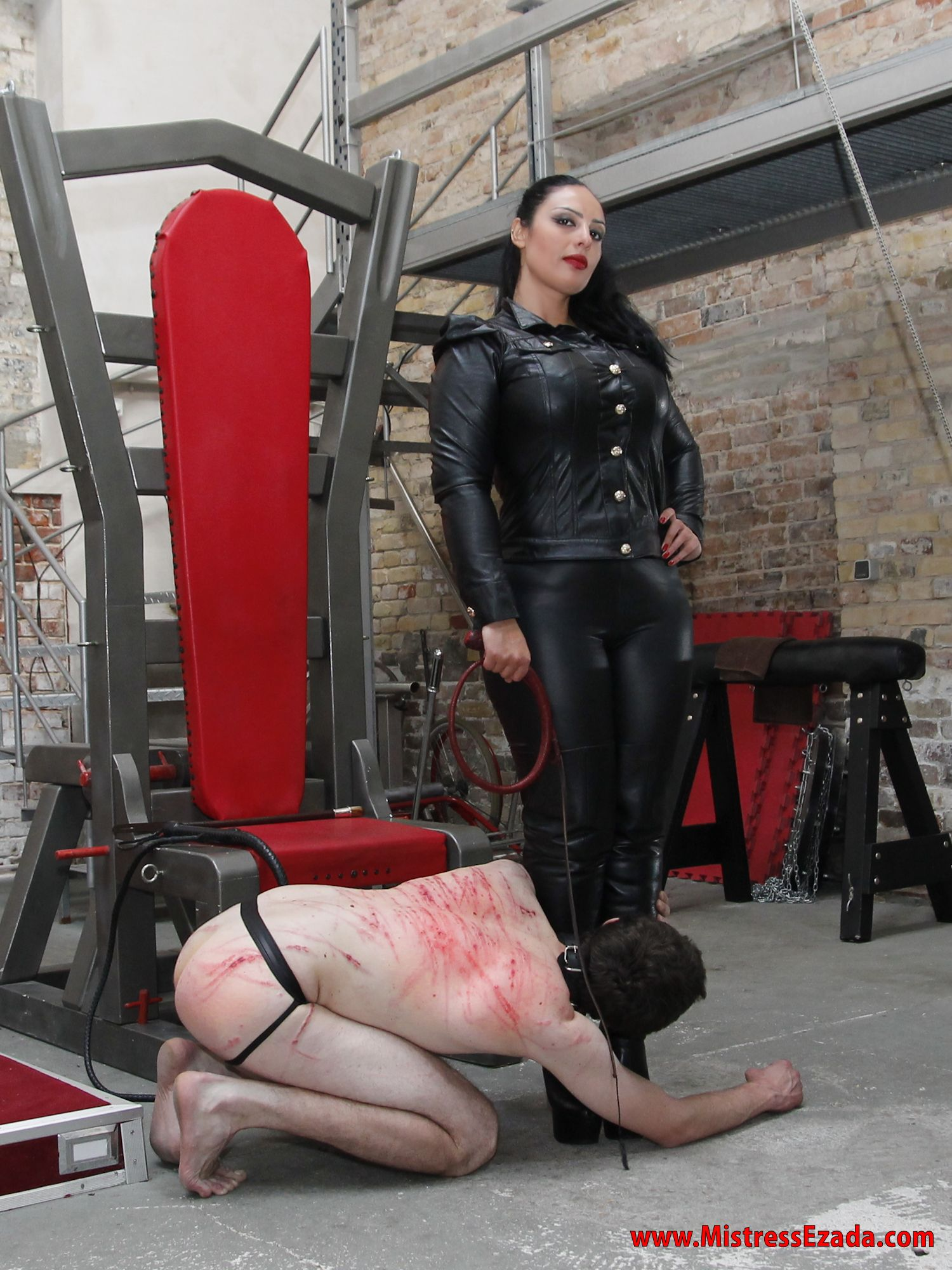 Slave Eat Mistress Food
