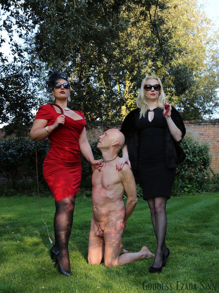 Ezada Sinn Lilse von Hitte whipping slave sit