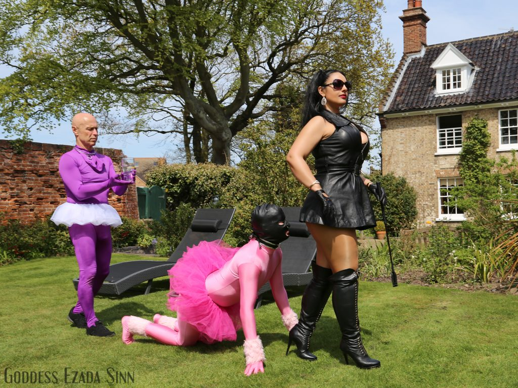 Female supremacy Goddess Ezada Sinn leather UK