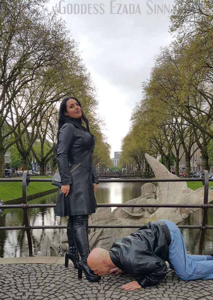 Goddess Ezada Sinn boot worship Dusseldorf