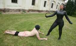 2 slaves required for filming in the OWK