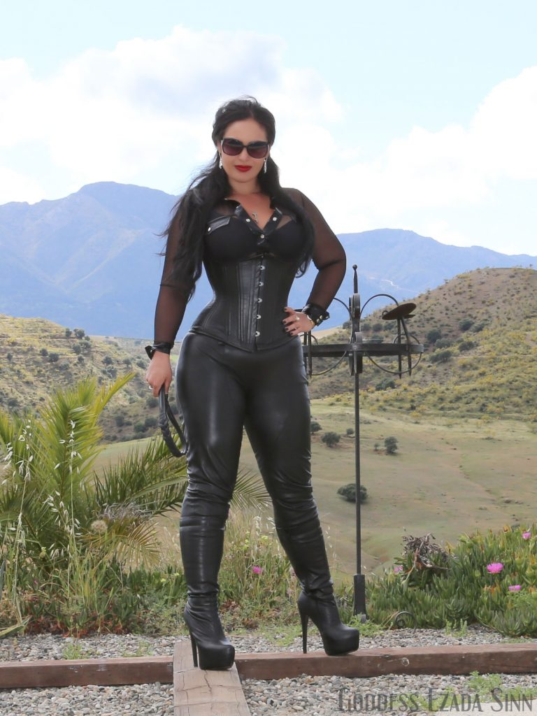 Goddess Ezada Sinn knee high leather like boots