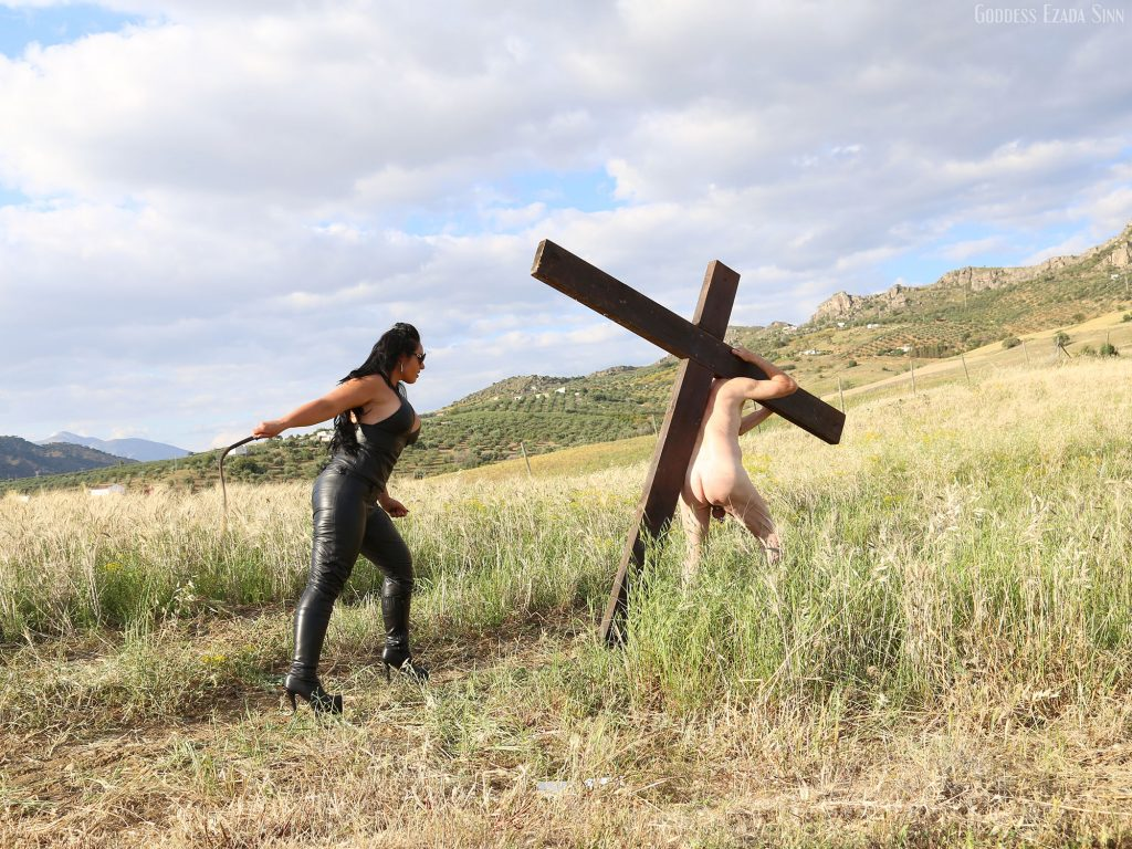 leather religious fetish cross outdoor slave Domina