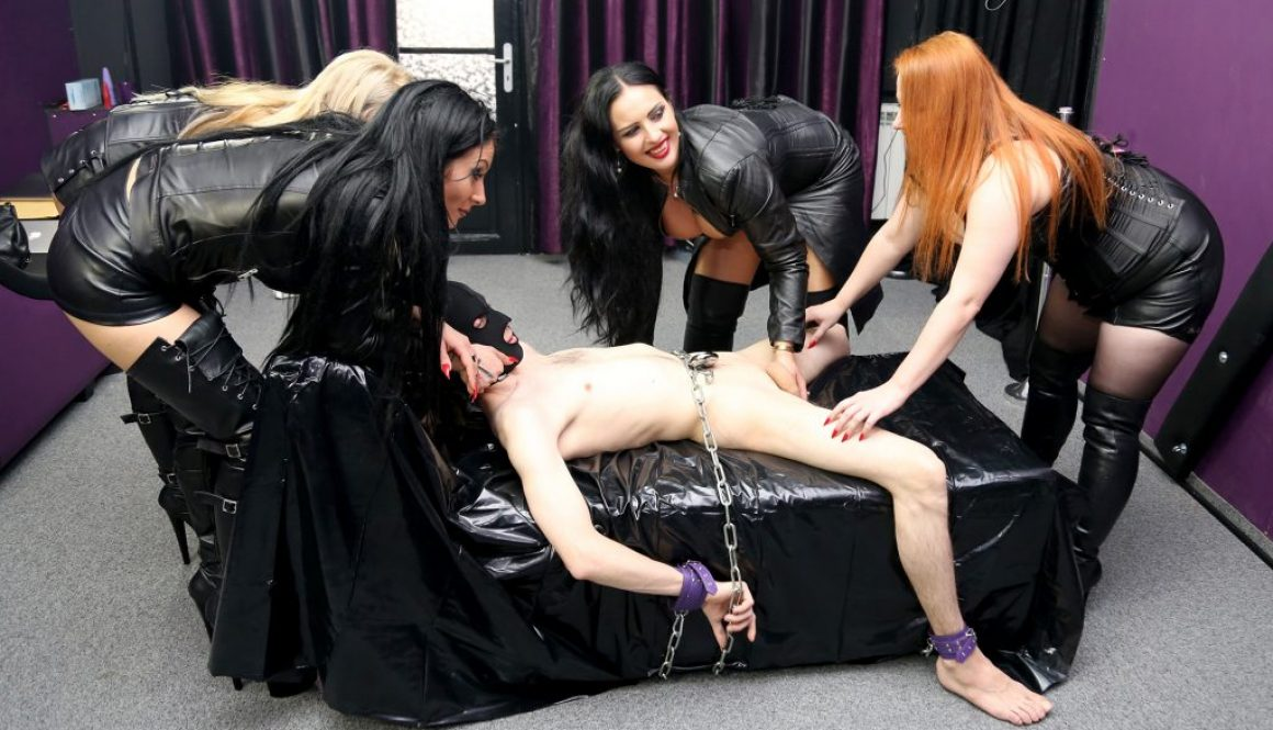 Picture of the week 32 2016 – Kidnapped and milked by 4 leather Goddesses