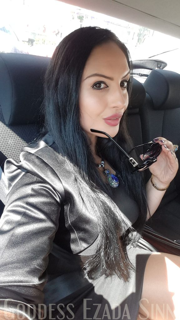 Goddess Ezada Sinn with slave nuli