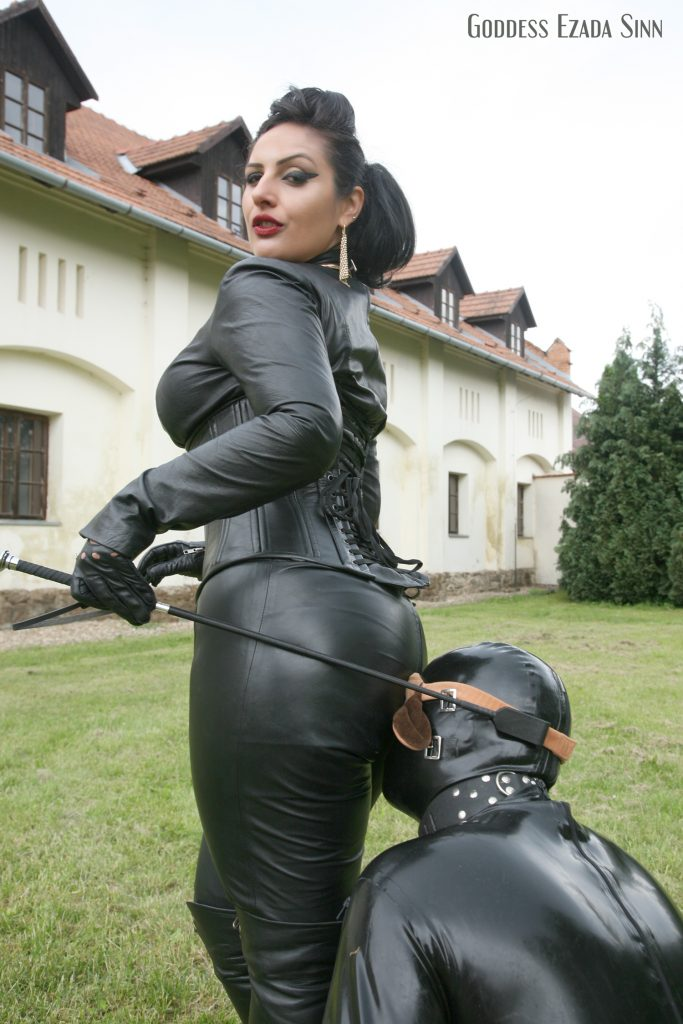 goddess-ezada-sinn-leather-boots-dog-play-latex-owk