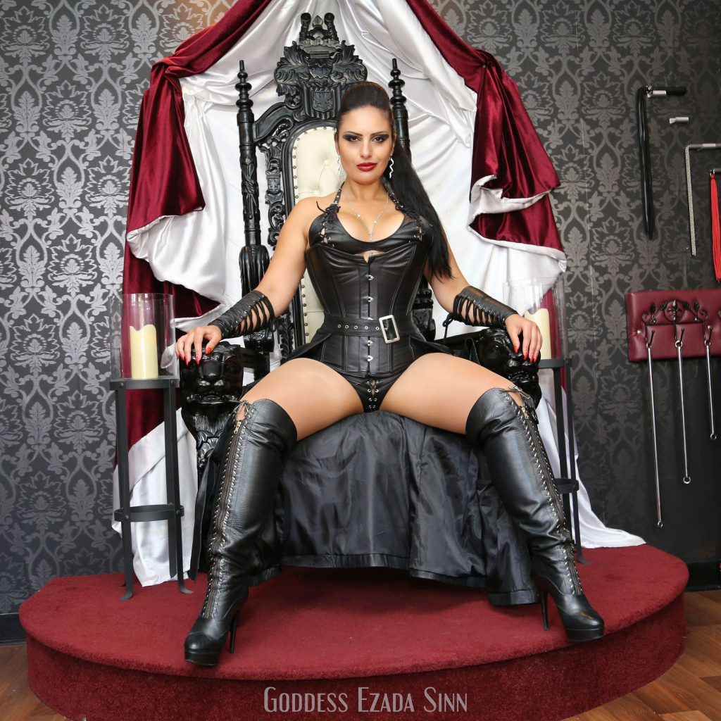 goddess-ezada-sinn-female-supremacy-leather-throne
