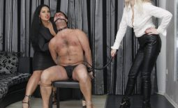 Picture of the week 41 2016 – Whip training My slave together with Mistress Lilse