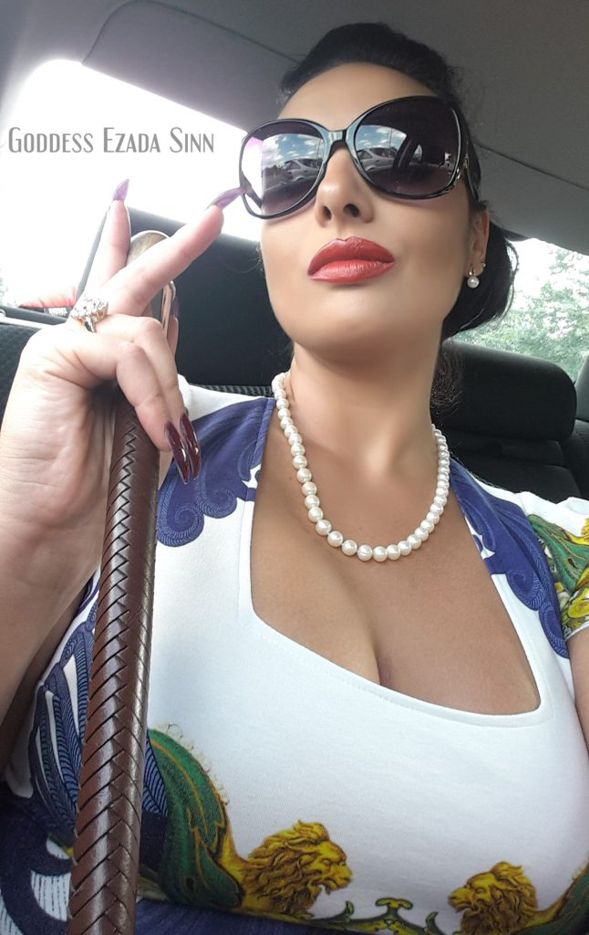 A Little Walk In The Streets Of D 252 Sseldorf Goddess Ezada