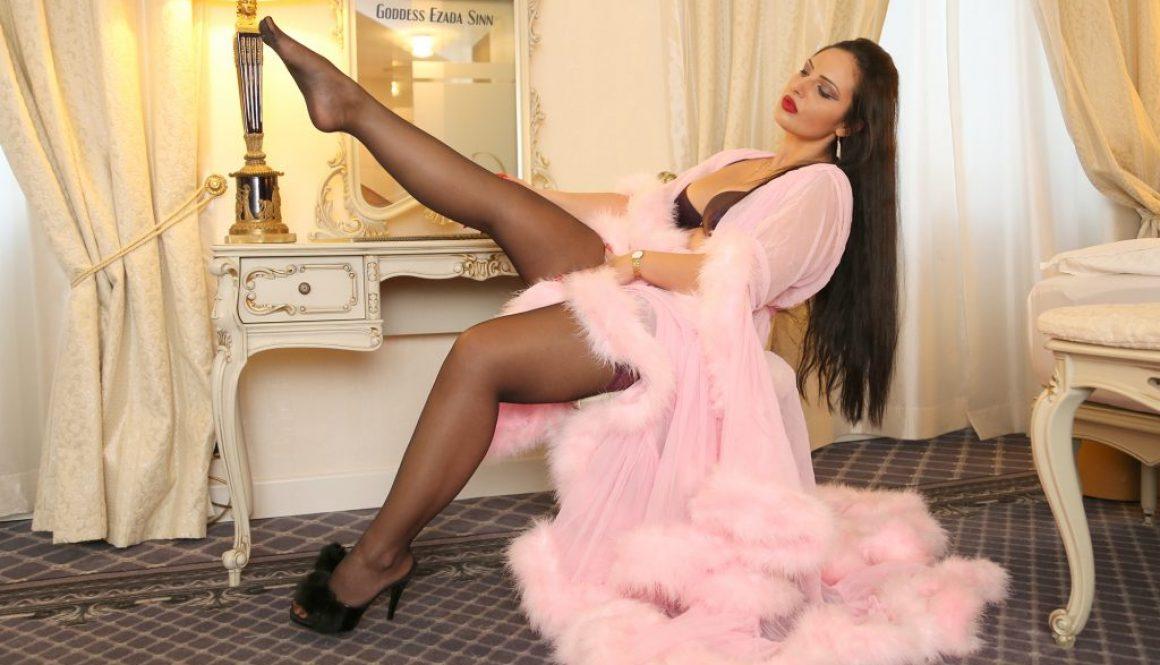 stockings fetish marabou