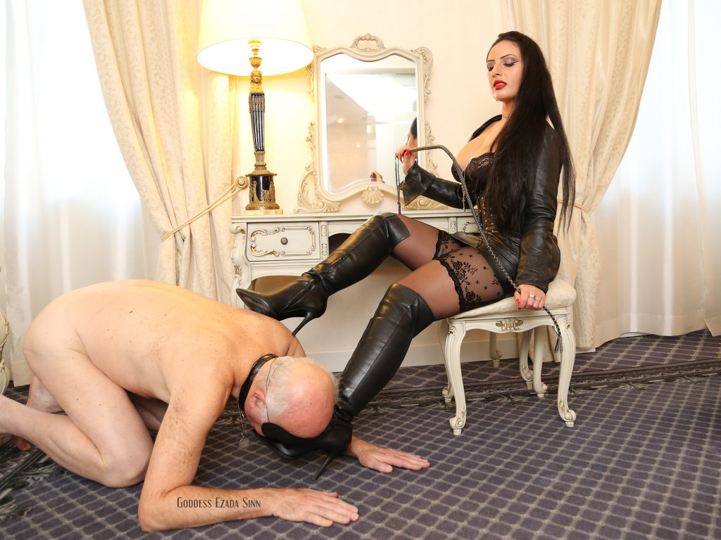 leather boots female supremacy